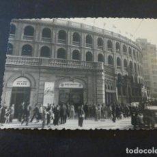 Fotografia antiga: VALENCIA PLAZA DE TOROS ANTIGUA FOTOGRAFIA 7,5 X 10,5 CMTS. Lote 226760980