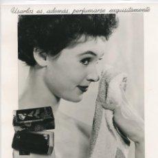 Fotografía antigua: PUBLICIDAD PARA MYRURGIA. JABONES . FOTO: RAMÓN BATLLES. 1950-1960. 21,5X29 CM.. Lote 237205945