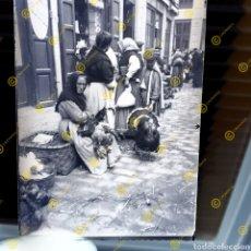 Fotografía antigua: PLACA CRISTAL GELATINO BROMURO VALENCIA PRINCIPIOS DEL SIGLO XX. PUESTOS CALLEJEROS.. Lote 252976855