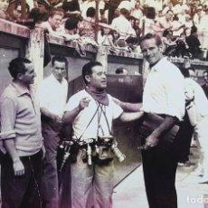 Fotografía antigua: CHARLTON HESTON EN PAMPLONA, ESPAÑA, FERIA DE SAN FERMÍN 1962. Lote 254938820