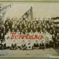 Fotografía antigua: TERRASSA - CHORAL DE LA AGRUPACIÓ REGIONALISTA - 1910 - 1920. Lote 255327040