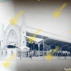Fotografía antigua: PLACA CRISTAL GELATINO-BROMURO NEGATIVO 1920-30. VALENCIA MERCADO COLÓN. Lote 257521400
