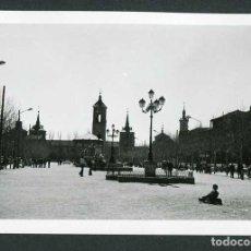 Fotografía antigua: MADRID. ALCALÁ DE HENARES. PLAZA MAYOR. 3/1972. Lote 262934290