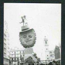 Fotografía antigua: VALENCIA. FALLAS. BONITA IMAGEN. C.1965. Lote 262938780
