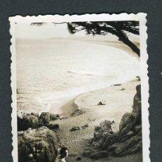 Fotografia antica: COSTA BRAVA. PLATJA D'ARO. MAR. PLAYA. 8/1955. Lote 264177708