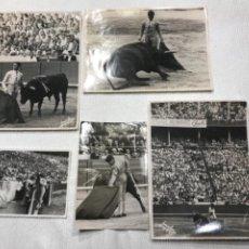Fotografía antigua: LOTE DE 5 FOTOGRAFÍAS DE MATEO FOTOS. TOROS TOREROS TAUROMAQUIA 1950'S. BARCELONA. Lote 266983289