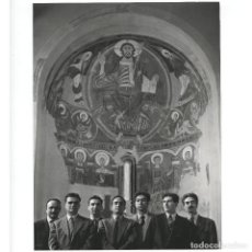 Fotografía antigua: GRUP TAÜLL - MNAC, 1955. TÀPIES, CUIXART, THARRATS, GUINOVART, ALEU, ETC. FOTO: CATALÀ-ROCA.. Lote 269159688