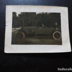 Fotografía antigua: MUJER EN COCHE ANTIGUA FOTOGRAFIA 6 X 8 CMTS. Lote 287451818