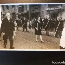 Fotografía antigua: VALENCIA SEMANA SANTA PROCESIÓN OLALLA FOTÓGRAFO 1968 17.5 X 11.5 CTMS. Lote 287539223