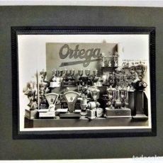 Fotografía antigua: FOTOGRAFIA GRAN FORMATO EXPOSICIÓN MAQUINARIA CLAUDIO ORTEGA.PRIMERA MITAD S.XX. Lote 288862958