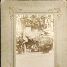 Fotografia antica: FOTOGRAFIA CUEVA DE COVADONGA - AGOSTO ¿1899?. Lote 291574253
