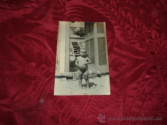 POSTAL FOTOGRFICA NIÑO EN LA PLAYA (Fotografía Antigua - Tarjeta Postal)