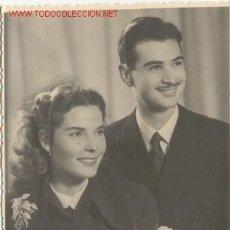 Fotografía antigua: NOVIOS AÑO 1950 -FOTO ESTUDIO SOLBES DE ALCOY. Lote 26135975