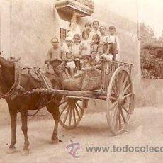 Fotografía antigua: FOTOGRAFIA DE UN CARRO CON PERSONAJES . Lote 10487066
