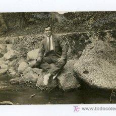 Fotografía antigua: CABALLERO, RÍO Y CAMINO. SANT HILARI DE SACALM. GIRONA. CIRCA 1925. Lote 13618168