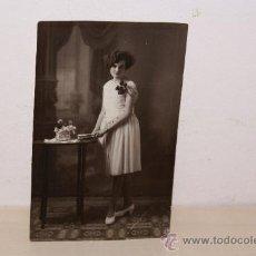 Alte Fotografie - MUJER POSANDO AÑO 1907 - 13791871