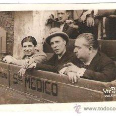 Fotografía antigua: CORRIDA MIURAS: MARCIAL, MARTINEZ Y BIENVENIDA. 29 JULIO 1930. FOTO VIDAL. VALENCIA. Lote 26755840