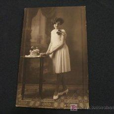 Fotografía antigua: SEÑORITA CON VESTIDO BLANCO - AÑO 1.907 - . Lote 17602608
