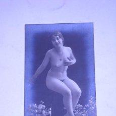 Fotografía antigua: EROTICA.FOTOGRAFIA DESNUDO FEMENINO EN TARJETA TIPO POSTAL 224/7.. Lote 25006167