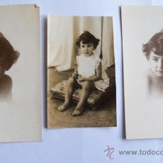 Fotografía antigua: 3 FOTOS PEQUEÑA NIÑA - 3 PHOTOS LITTLE GIRL - 3 PHOTOS PETITE FILLE (AÑOS 40 APROX.). Lote 26714297
