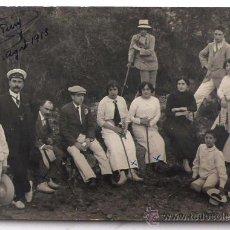 Fotografía antigua: SANT HILARI SACALM, CAMÍ DE LA ROCA FORADADA. AGOSTO 1913.. Lote 24401072