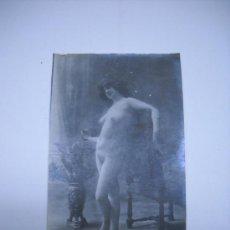 Fotografía antigua: ERÓTICA.ANTIGUA FOTOGRAFIA DESNUDO FEMENINO EN TARJETA TIPO POSTAL LYDIA 19 .SIN CIRCULAR.. Lote 26371100