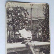 Fotografía antigua: TARJETA POSTAL, NIÑO POSANDO. Lote 27769253