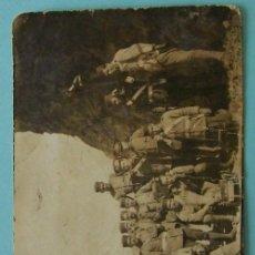 Fotografía antigua: LOTE 2 FOTOS * GRUPO DE SOLDADOS * CIRCA 1900 . Lote 27777248