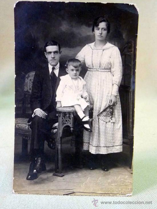FOTOGRAFIA, FOTO POSTAL, RETRATO DE FAMILIA, BUENOS AIRES, ARGENTINA, 13 X 8 CM (Fotografía Antigua - Tarjeta Postal)