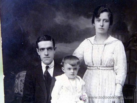 Fotografía antigua: FOTOGRAFIA, FOTO POSTAL, RETRATO DE FAMILIA, BUENOS AIRES, ARGENTINA, 13 X 8 CM - Foto 3 - 28611035
