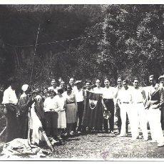 Fotografía antigua: TARJETA POSTAL DE EXCURSIÓN A VALLEDENEU (BARCELONA).19 DE JUNIO DE 1930. Lote 29750637