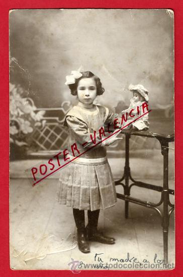 FOTOGRAFIA, FOTO ANTIGUA, JUGUETE, NIÑA CON MUÑECA ,ORIGINAL ,P66634 (Fotografía Antigua - Tarjeta Postal)