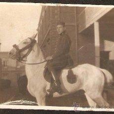 Fotografía antigua: MILITAR A CABALLO. AÑO 1920. Lote 30655235