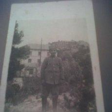 Fotografía antigua: ANTIGUA FOTOGRAFIA TARJETA POSTAL NIÑO UNIFORME BOTONES BAÑOS DE BUSOT ALICANTE. Lote 31680999