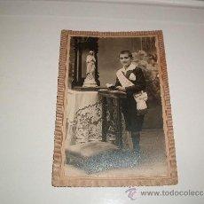 Fotografía antigua: NIÑO POSANDO FOTO ESTUDIO BANUS FALKCO BARCELONA FOTO CARTON . Lote 32361853