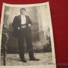 Fotografía antigua: FOTO - POSTAL DE PRINCIPIOS DEL XX - SALAMANCA - VIUDA DE OLIVAN - ELEGANTE HOMBRE CON BIGOTE. Lote 32704320