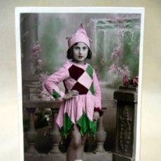 Fotografía antigua: TARJETA POSTAL ANTIGUA, J. LLOPIS, NIÑA, CON DISFRAZ. Lote 33395387