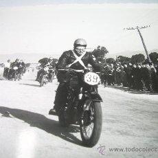 Fotografía antigua: ANTIGUA FOTOGRAFIA TAMAÑO POSTAL.....PALMA DE MALLORCA...MOTOS.. Lote 35836996