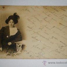 Fotografía antigua: ANTIGUA POSTAL FOTOGRÁFICA CON GRACIOSA DEDICATORIA. FECHADA EN 1911. ART DECO.. Lote 35910367