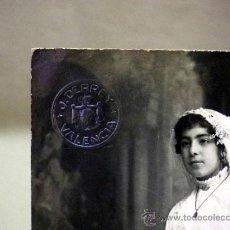 Fotografía antigua: FOTOGRAFÍA ANTIGUA. TARJETA POSTAL.NIÑA DE COMUNIÓN. ESTUDIO DERREY. VALENCIA. 1919. Lote 37665934