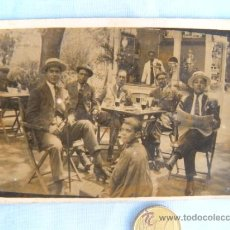 Old photograph - ANTIGUA FOTO COSTUMBRISTA CON LIMPIA BOTAS - 37804568
