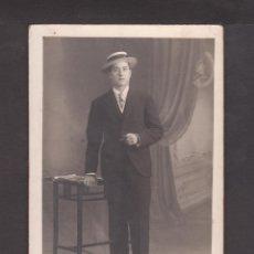 Fotografía antigua: FOTO/POSTAL CON HOMBRE JOVEN - AMERICAN ALOGRAFF - CONDE DE ASALTO 36. Lote 39779649
