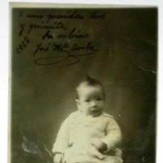 Fotografía antigua: FOTO POSTAL BEBÉ POSANDO DEDICADA FOTO LAURGRAFIA MONTERA MADRID 1925. Lote 39949811