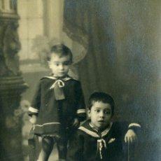 Fotografía antigua: FOTO NIÑOS DE MARINEROS. TARJETA POSTAL. UNION POSTALE UNIVERSELLE. Lote 42439421