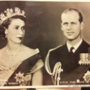 Fotografía antigua: TARJETA POSTAL DE 1953 DE LA REINA ISABEL II. Y EL DUQUE DE EDIMBURGO. Lote 42455964