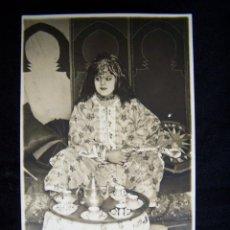 Fotografía antigua: FOTOGRAFÍA ANTIGUA RETRATO MUJER VESTIDA CON ROPA ÁRABE TARJETA POSTAL. Lote 42549634