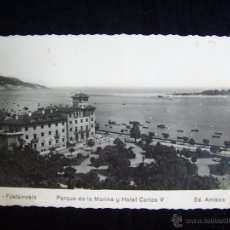 Fotografía antigua: FOTOGRAFÍA ANTIGUA FUENTERRABÍA ED ARRIBAS Nº17 PARQUE DE LA MARINA Y H CARLOS V TARJETA POSTAL. Lote 42549861