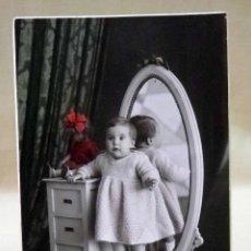Fotografía antigua: POSTAL, TARJETA POSTAL, NIÑA, J.DERREY, VALENCIA, CARTON. Lote 42759000