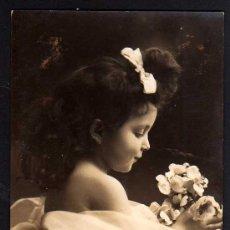 Fotografía antigua: POSTAL FOTOGRÁFICA, NIÑA. CIRCULADA 1908.. Lote 43594615
