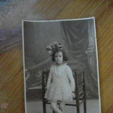 Fotografia antica: ANTIGUA FOTOGRAFIA POSTAL DE NIÑA CON LAZO Z-281. Lote 43888908